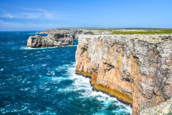 Türkisblaues Wasser am Cabo de São Vicente