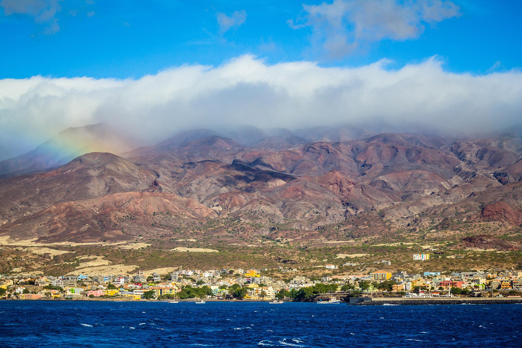 "Cabo Verde, Santo Antão, von Susana Martins / < a href=""https://www.shutterstock.com/de/image-photo/cape-verde-santo-1321980485?src=CtCnlDYHxxO3MOGzotTtiQ-7-98&studio=1"">shutterstock.com"