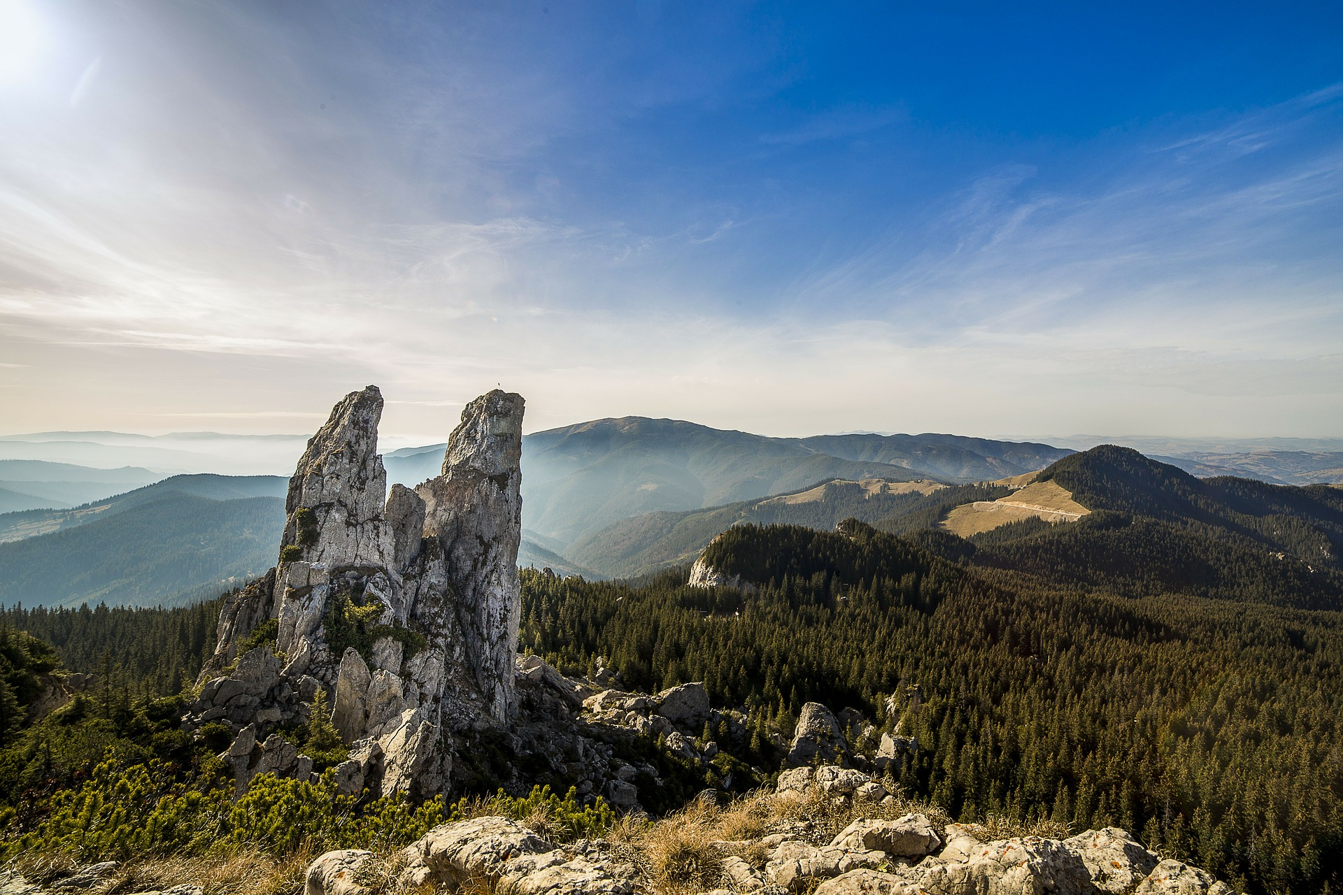 Rumänien ist ein Land voller malerischer Landschaften und jahrhundertelang gepflegter Traditionen.
