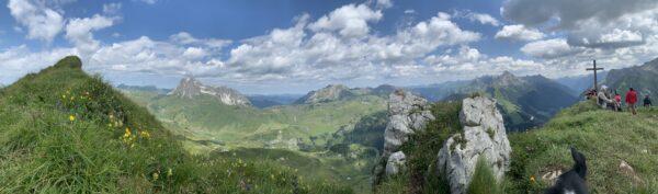 Blick vom Gipfel des Warter Horn auf den gegenüberliegenden Biberkopf