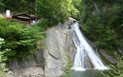 Klettern, Canyoning, Rafting: spannender Urlaub im alpinen Raum